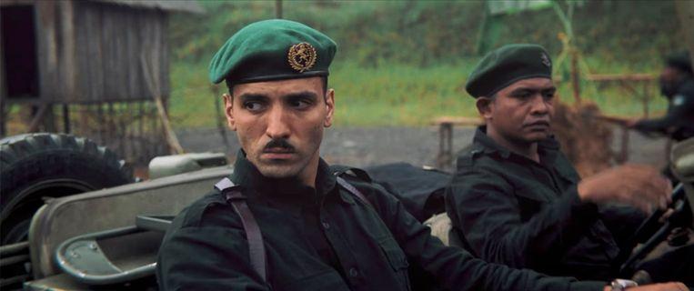 Marwan Kenzari  als legerkapitein Raymond Westerling in 'De Oost' met snor: Hitler of Clark Gable?  Beeld
