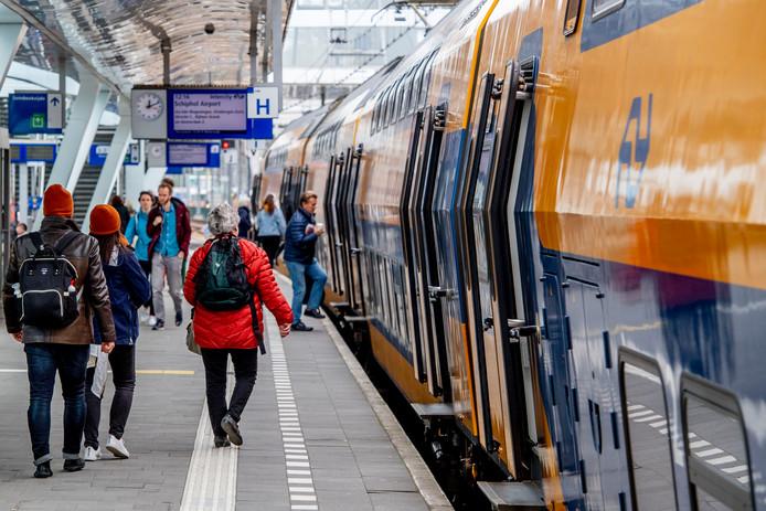 Het station in Arnhem op archiefbeeld.