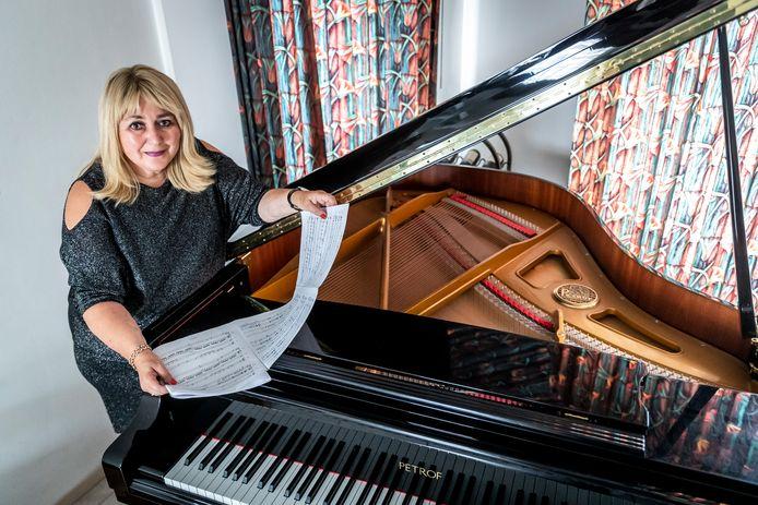 Olga van der Pennen is verantwoordelijk voor het festivalprogramma van de Muzikale Oktober Best (MOB).