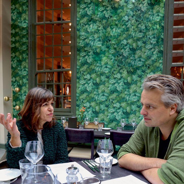 Lia van Bekhoven en Joris Luyendijk.  Beeld PhotoNews