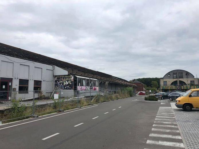 Het oude SPAR-gebouw wordt afgebroken