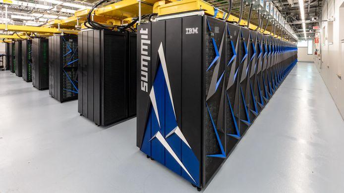 De supercomputer weegt 340 ton.