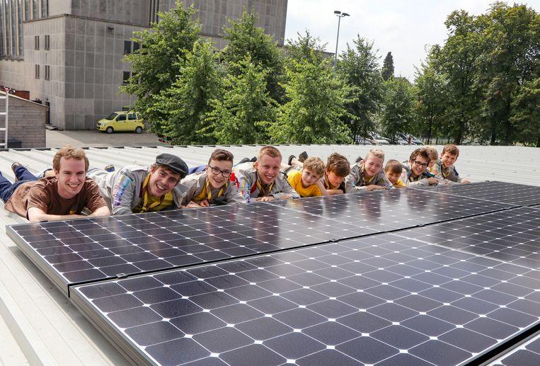 De scoutsgroep zorgt zelf voor groene stroom met zonnepanelen op hun lokaal.