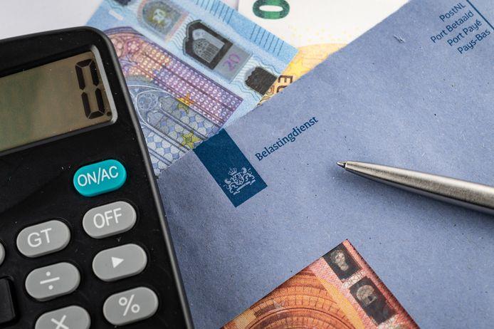 Opnieuw kregen Nederlanders ten onrechte bericht van de Belastingdienst dat ze een toeslag terug moesten betalen.