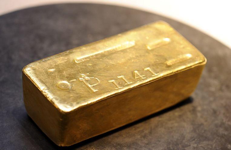 Een goudstaaf bij De Nederlandse Bank. Beeld ANP