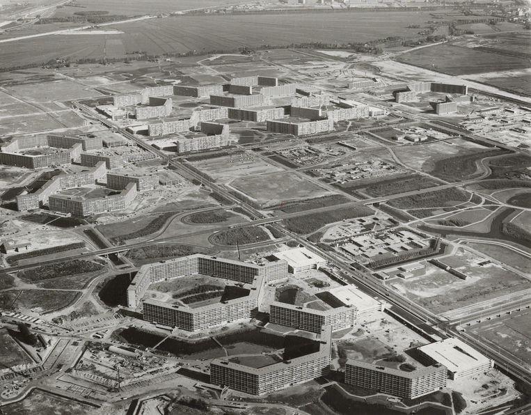 Luchtfoto van de Bijlmermeer, ca. 1971. Beeld Stadsarchief Amsterdam