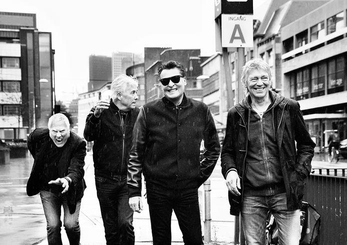 Golden Earring geeft na tien jaar afwezigheid weer een groot concert in Enschede. De band rekent op zo'n 4.000 fans bij het optreden in Expo Twente.