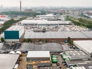 Binnenvaartschip met giftige stof aan boord ligt voorlopig stil in Utrechtse haven