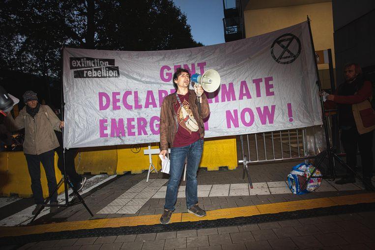 De opening van Film Fest Gent werd even verstoord door klimaatactivisten naast de rode loper.