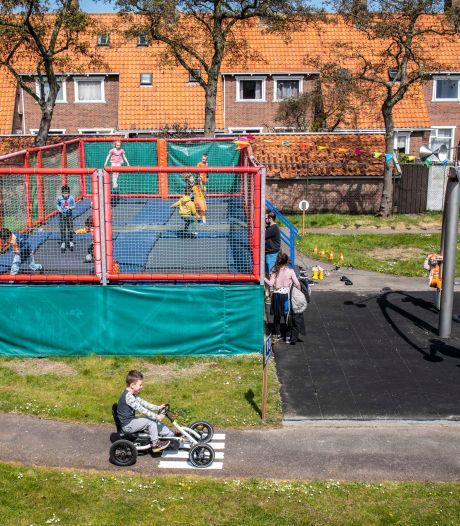Eindelijk weer trucjes op de vernieuwde trampoline!