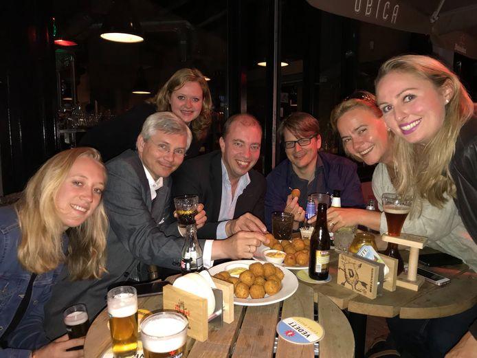De motie 'minstens 50 procent vega(n)' kan de Utrechtse VVD-fractie gestolen worden: 100 procent bitterbal.