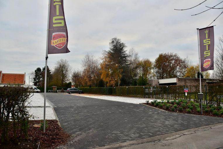 Bij de heraanleg en uitbreiding van de parking aan tennisclub Isis werden ook enkele bouwinbreuken gemaakt, wat nu een probleem vormt voor de nieuwe voorzitter.