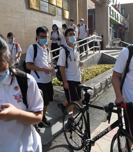 EN DIRECT: Pékin referme toutes les écoles et appelle ses habitants à ne pas quitter la ville
