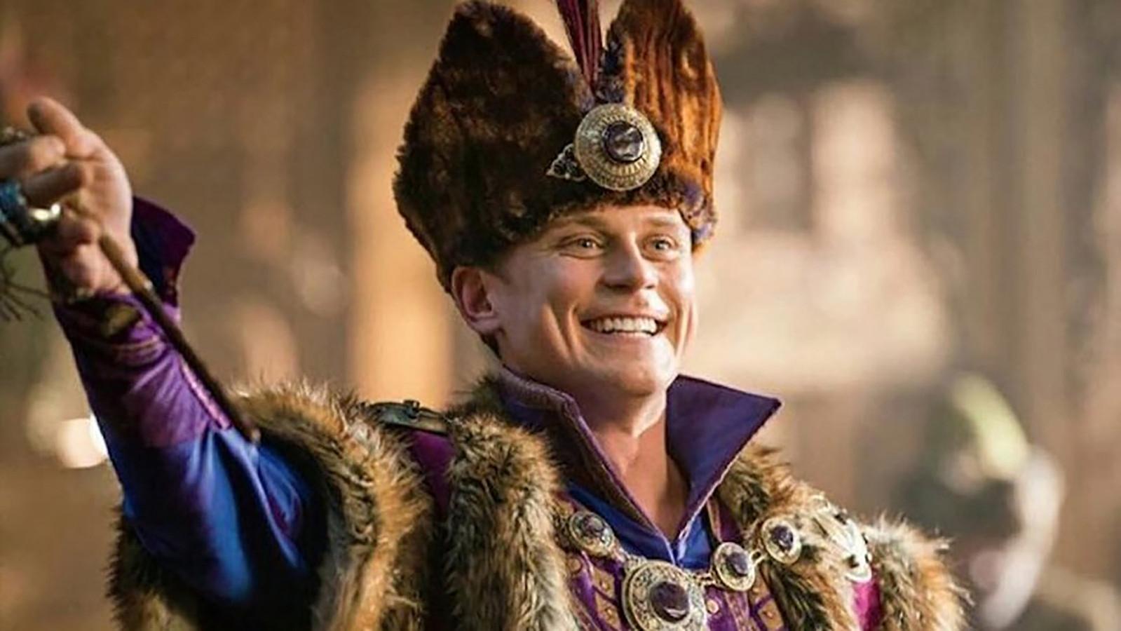Billy Magnussen als prins Anders.