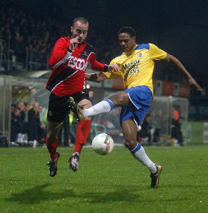 Youssef Chida, hier met Helmond Sport in actie tegen RKC Waalwijk, speelt komend seizoen bij het zaterdagteam van SV De Braak.