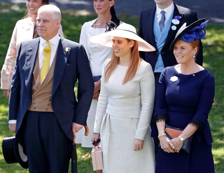 Prins Andrew, Prinses Beatrice en Sarah