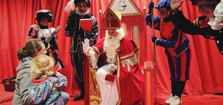 De Sint maakt zijn entree aan de Krook