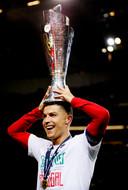 Cristiano Ronaldo met beker.