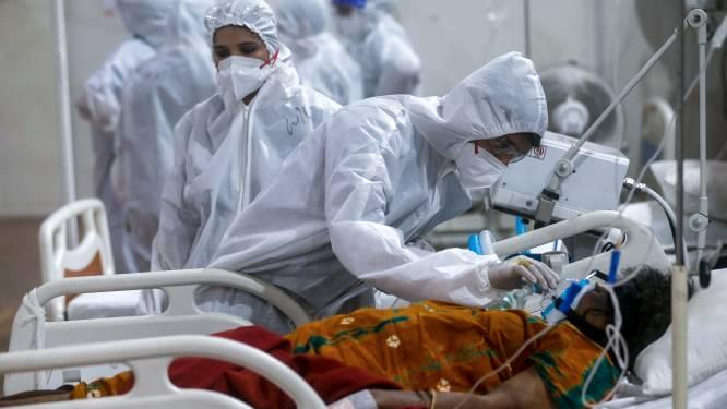 Terwijl coronavirus India in zijn greep houdt: 90.000 artsen mogen niet helpen omdat buitenlands diploma niet geldig is in hun land