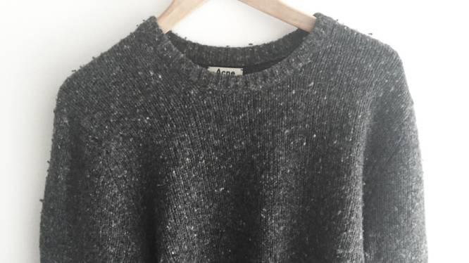 Het geheim om je trui als nieuw te maken ligt al in je badkamer