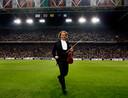 Ook in 2009 warmde Rieu het publiek in de Arena op, voor het UEFA Cup-duel tussen Ajax en Olympique Marseille.