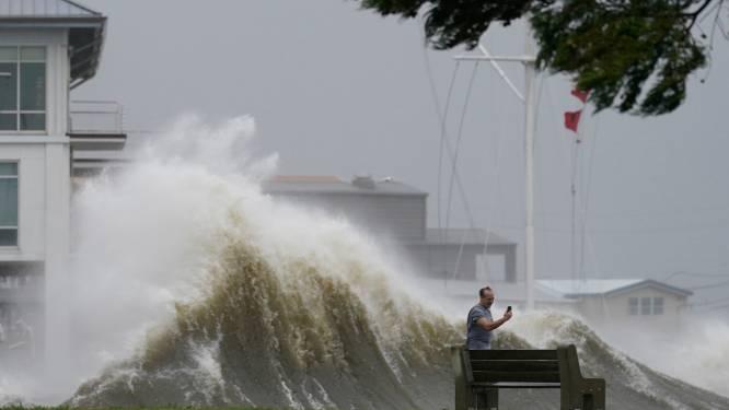 """Oog van orkaan Ida heeft zuidkust van VS bereikt: """"Levensgevaarlijke storm"""""""