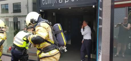 Brand bij Euwijk Optiek in Hardenberg: 'Toevallig was er een brandweerman in de buurt die de eerste hulp verleende'