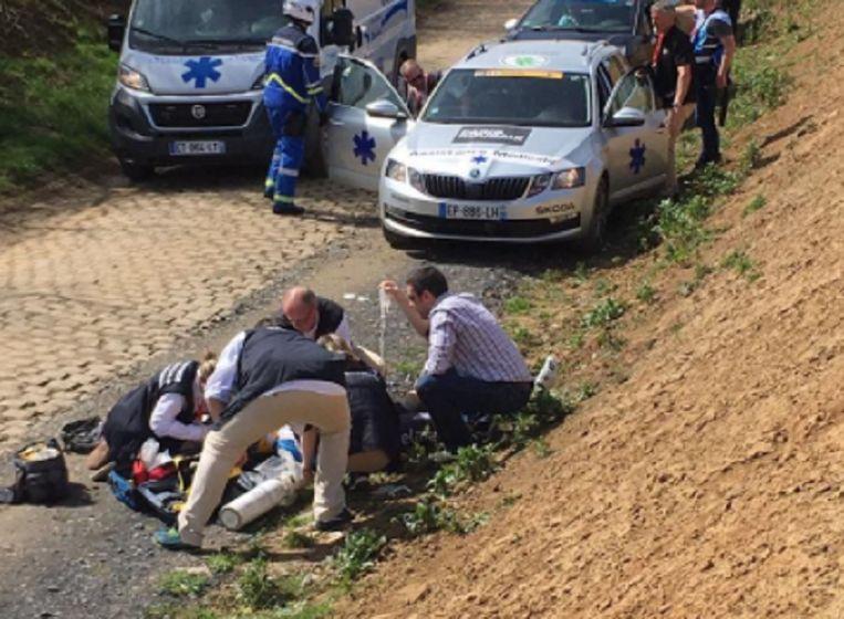 Dokters probeerden Goolaerts op het parcours nog te reanimeren.  Beeld rv