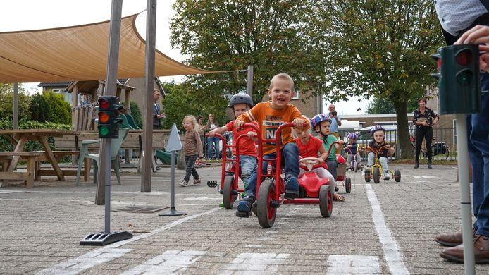De kinderen van Prokino Juultje in Zaamslag konden zich op een heus verkeersplein uitleven.