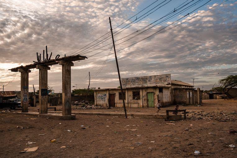 Een verlaten benzinestation in Paraguaipoa, waar voorts ook alle banken dicht zijn. Beeld NYT/ADRIANA LOUREIRO FERNANDEZ