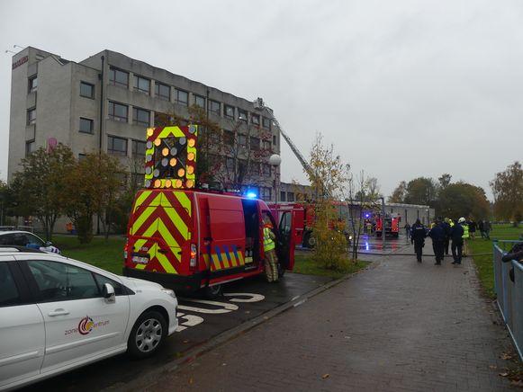 De brand ontstond in een chemielokaal op de vierde verdieping.