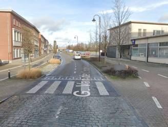 """Oversteek G. Van der Lindenlaan (N14) wordt vernieuwd: """"Beurtelings verkeer mogelijk tijdens werken"""""""