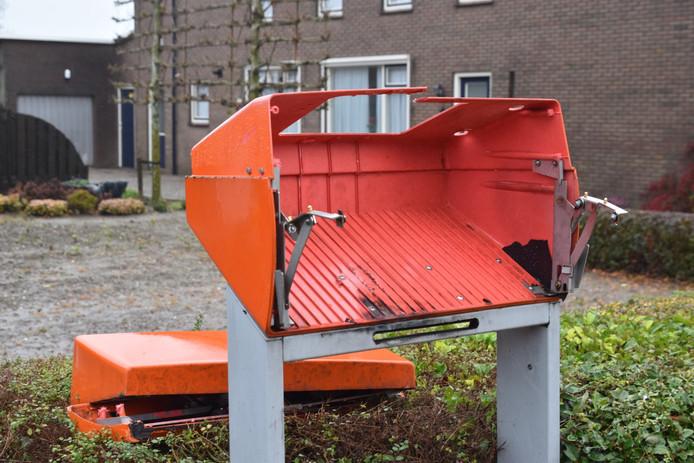 Een brievenbus in Nederhemert is opgeblazen door vandalen.