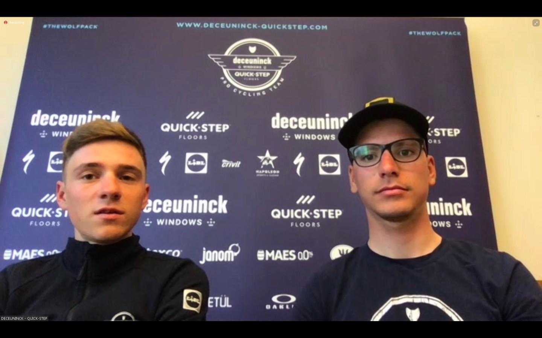 Remco Evenepoel en Joao Almeida tijdens het interview over de Giro.