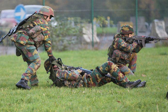 Militairen van het Belgisch leger tijdens een oefening.