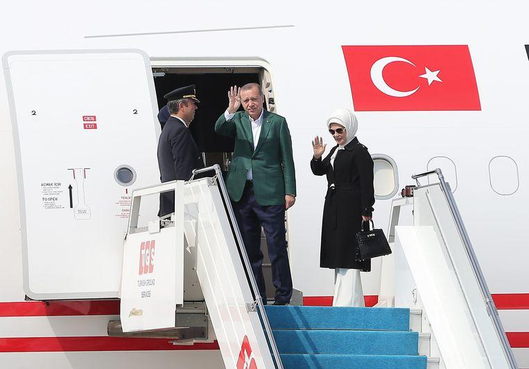 Emine Erdogan verscheen vorig jaar op een G20-top met een Hermès-handtas. Beeld Anadolu Agency via AFP