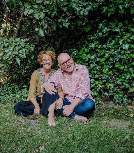 Henry droeg roze tuinbroeken en make-up, Edith vond hem metéén leuk: 'Die laat ik nooit meer gaan'