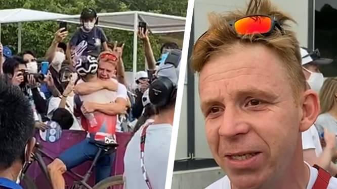 """Belgische mentor Kurt Bogaerts emotioneel na dikke knuffel van Pidcock: """"Tom is als een zoon"""""""