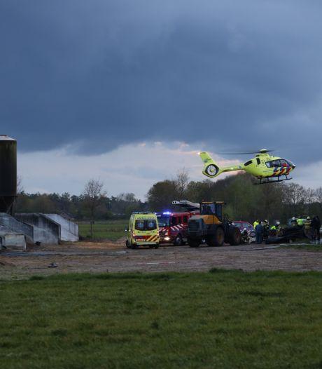 Persoon raakt bekneld op boerderij in Zeeland, slachtoffer naar ziekenhuis