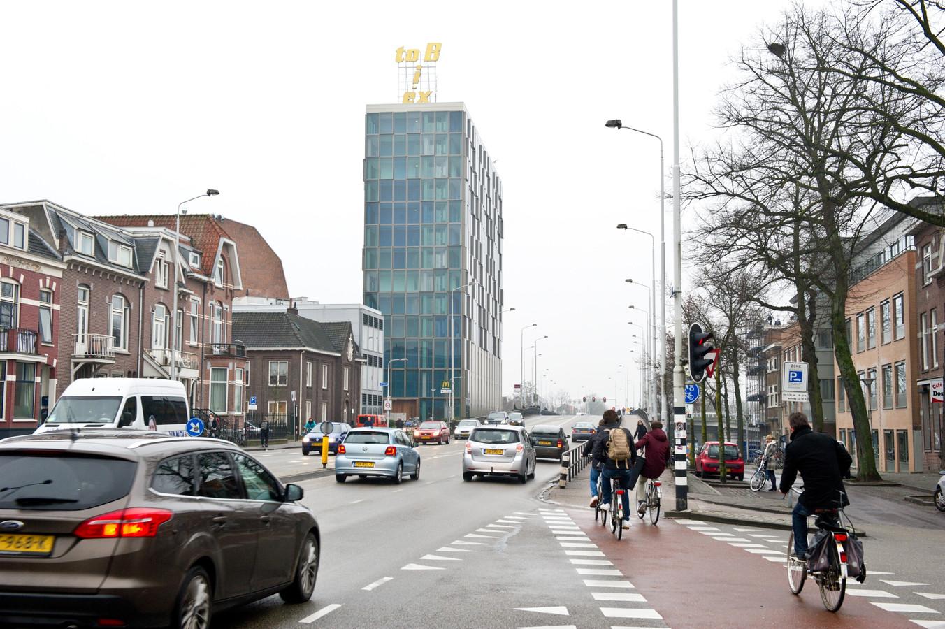 De Graafsebrug over het spoor in Nijmegen.