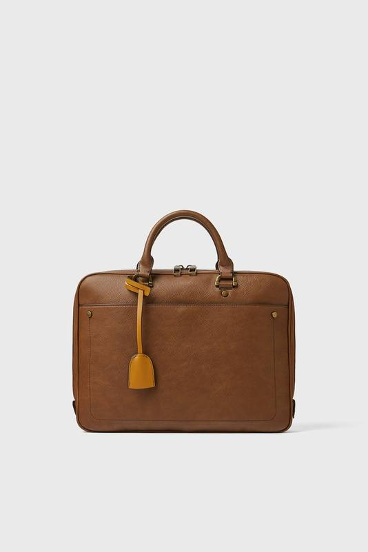 Une malette pour ordinateur de la marque Zara. Prix: 59,95 euros.