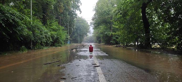 Les routes où l'eau avait baissé.