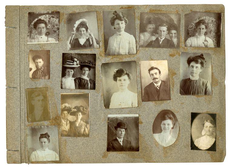 Een Amerikaans familiealbum van rond 1900.  Beeld Alamy Stock Photo