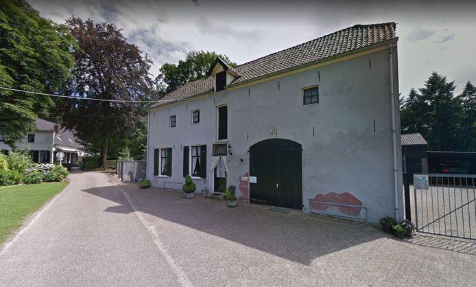 Het koetshuis aan de Heideparkseweg in Nijmegen, waarover de bewoner een conflict heeft met antikraakpand-beheerder GMC.