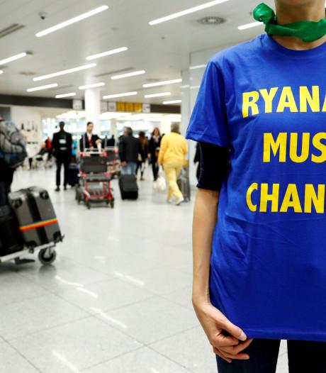Cabinepersoneel Ryanair staakt dinsdag