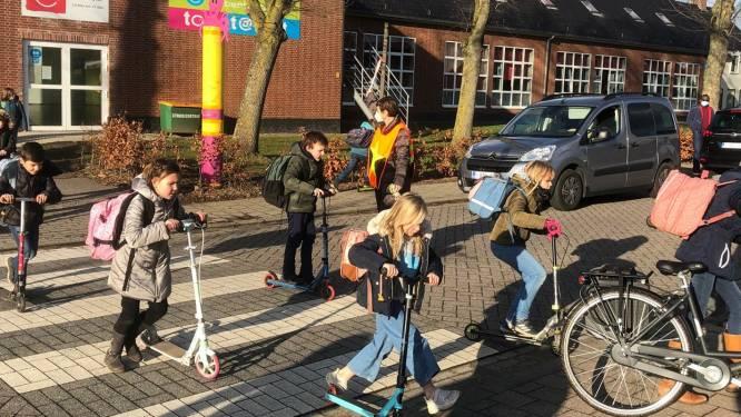 Proefopstelling aan basisschool top@punt om omgeving veiliger te maken: enkelrichting in Vogelzang en parking enkel bereikbaar via Kerkstraat