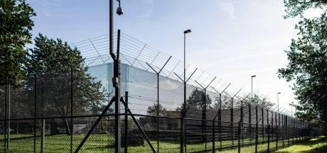 Tbs-er steekt drie therapeuten neer in Pompekliniek met zelfgemaakt wapen: 18 maanden cel, 16.000 euro schadevergoeding