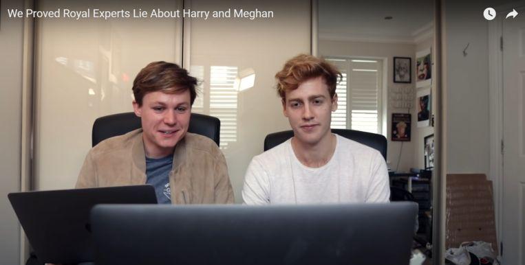 Archie Manners (links) en Josh Pieters (rechts) in de bewuste video.  Beeld Archie Manners & Josh Pieters/YouTube