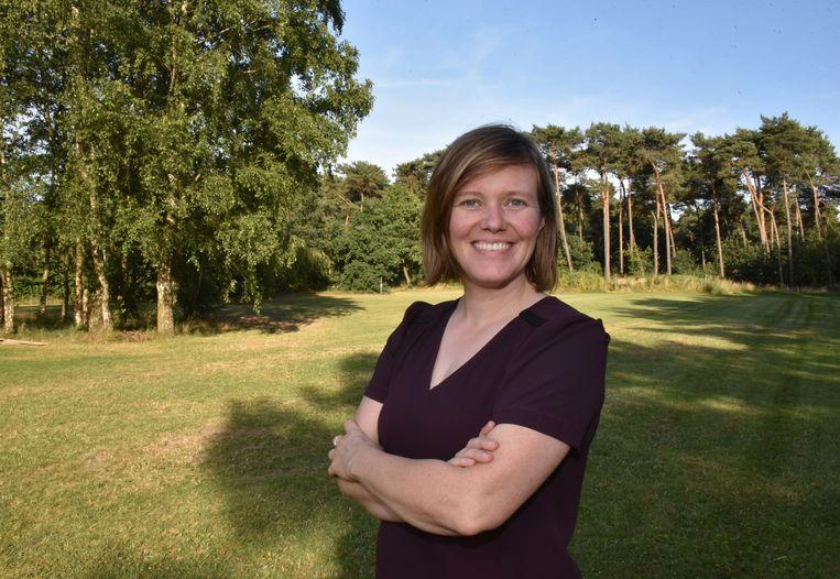 Tinne Rombouts op de nieuwe kampeerweide op De Mosten.
