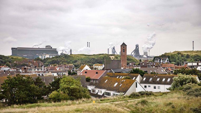 De hoogovens van Tata Steel in Wijk aan Zee in Nederland.  Beeld AFP